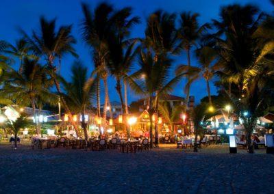 Cab restaurants at night