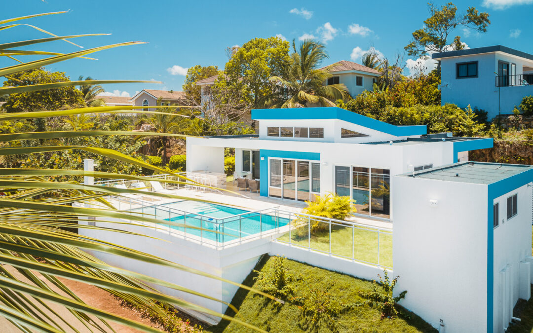 Retire in Paradise with Casa Linda Quality Communities