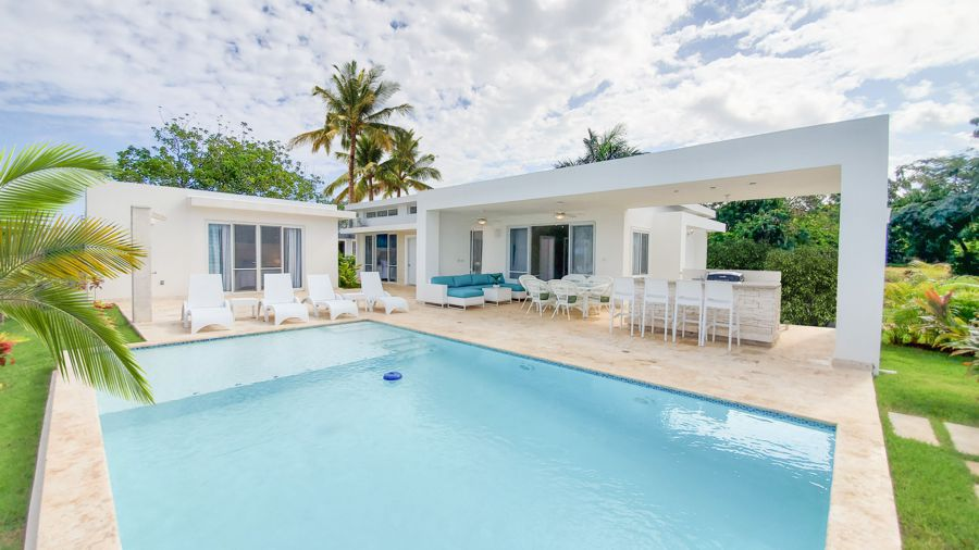 Your Perfect Villa is Waiting For You at Casa Linda